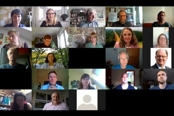 Videobilder der Spurgruppenteilnehmenden